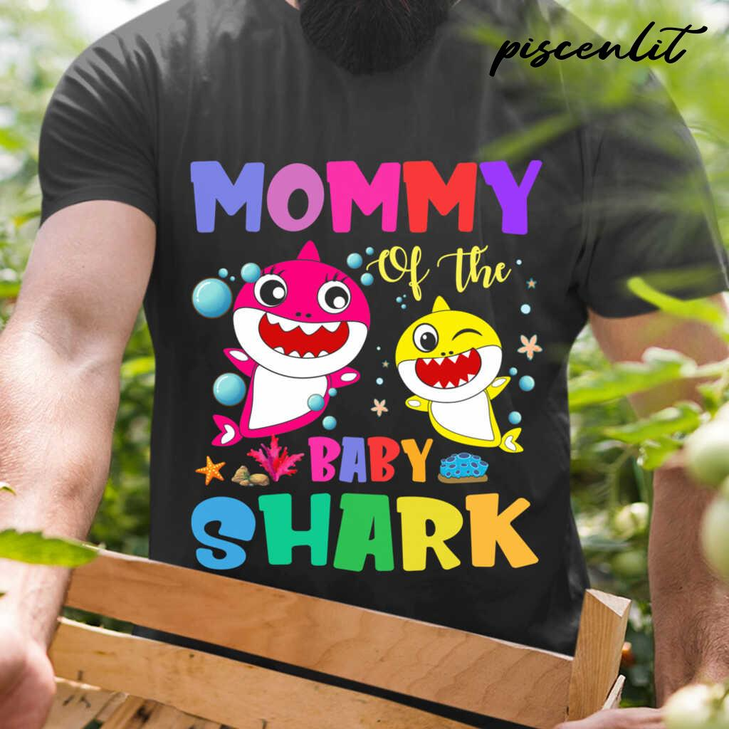 Mommy Of The Baby Sharks Coral Star Tshirts Black - from piscenlit.com 1